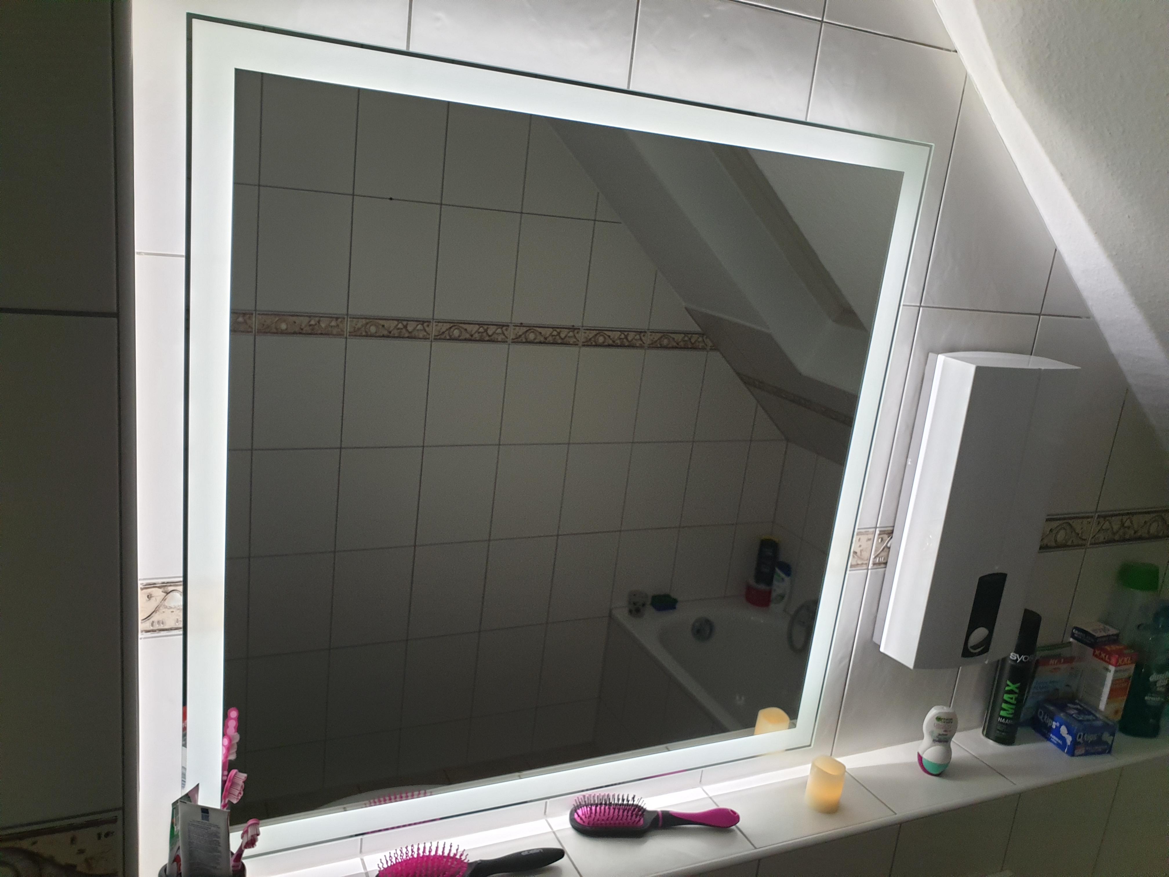 Spiegel mit Steilfacette